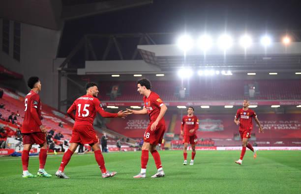 premier-league-liverpool-celebre-le-titre-par-une-belle-victoire