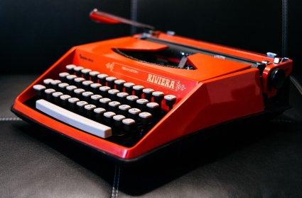 maquina_escribir_laranxa