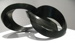 Sebastian, Enlace Conspicuo, 2014, bronce patinado, 24 x 24.5 x 41 cm