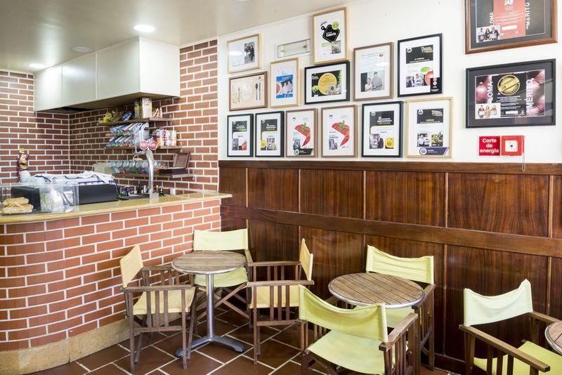 bar restaurante galeria