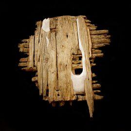 Vibracije mirnoće / Vibration of Stillness / Vibration der Stille - Lena Franolić 2009, konsolidirano drvo, kit, akril, olovka / consolidated wood, putty, acrylic, pencil / Holz verfesstigt mit Epoxidharz, Holzkit / Acrylic, Bleistifft