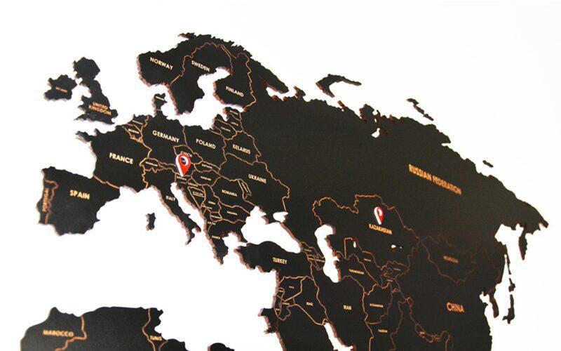 GALERIJA KREATIVNIH_galerijakreativnih.si - SLAVEC-PRO_Leseni zemljevid sveta z oznakami držav 1