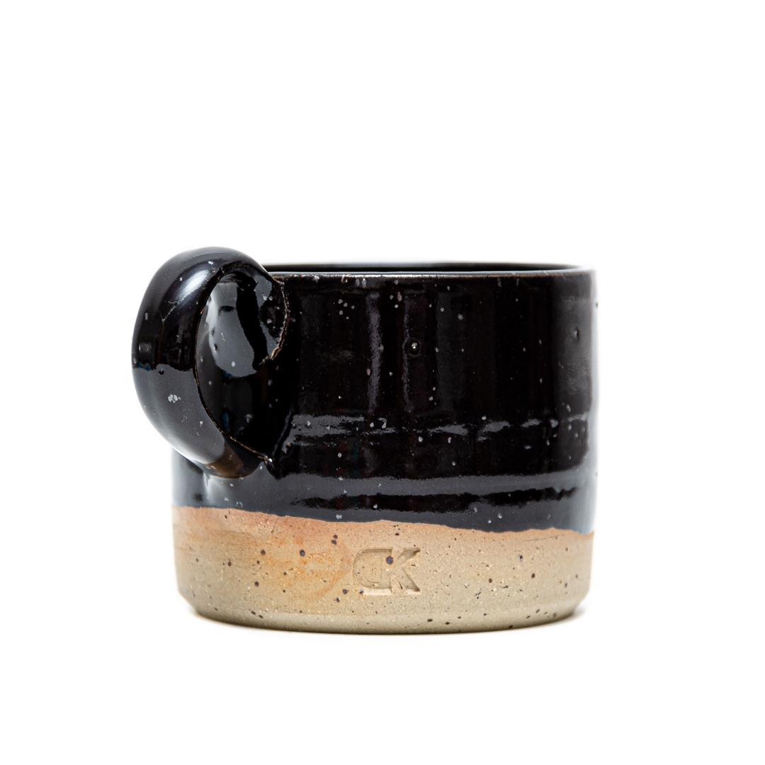 črna skodelica za čaj ali kavo, Daša's pottery,