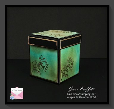 Beautiful rich, blended colors were used to create this beautiful explosion box.
