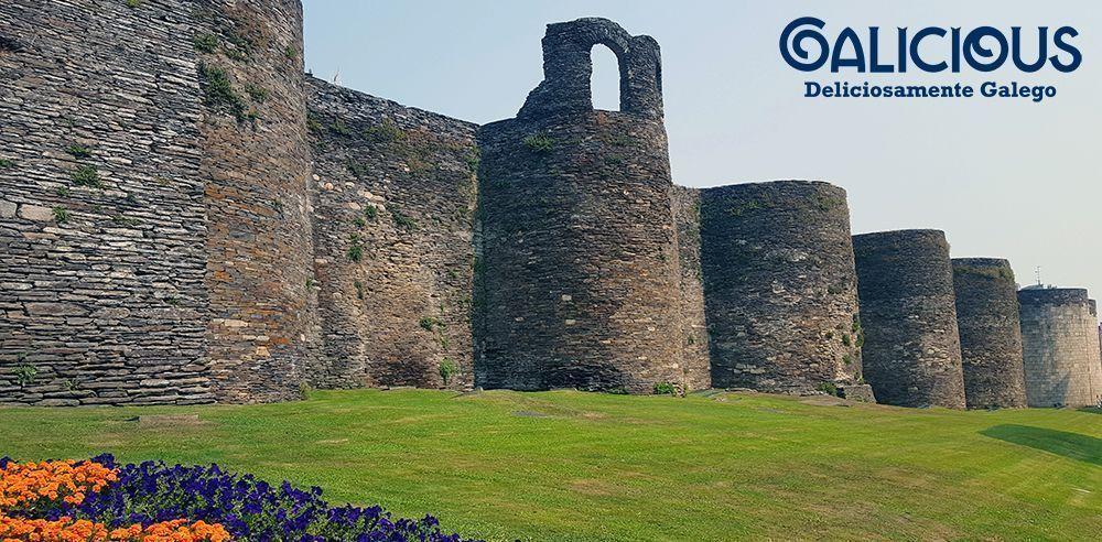 """Muralla de Lugo ( Foto de """"100 cosas imprescindibles que hacer en Galicia"""" ) By Galicious"""