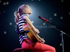 Konser Taylor Swift, Meis Ancol Bertema Merah