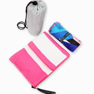 flamingo design beach towel with pouch