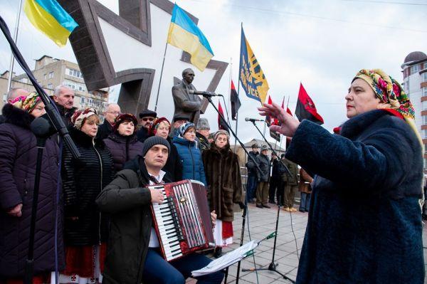 В Івано-Франківську відзначили річницю з дня народження ...