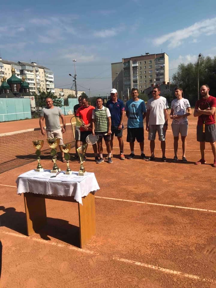 У Франківську визначили найкращих тенісистів-аматорів (ФОТО)