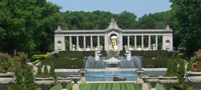 The best way to visit the Brandywine Valley, DE including recent tours of Winterthur and Nemours.