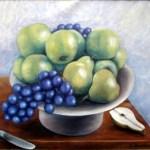 skål med æbler og druer