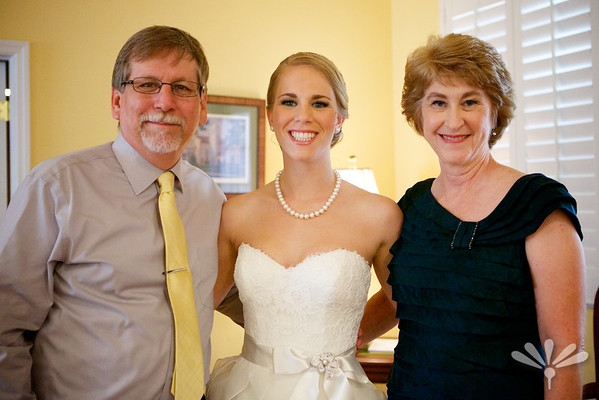 Maggie and Josh- Maggie with her parents before the ceremony