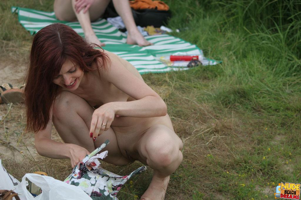 naked women watch