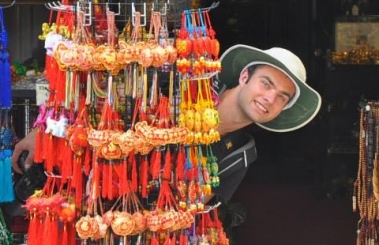 Discovering Singapore's Chinatown (photo by Richard Wuu)