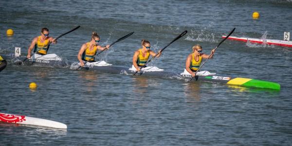 Brigden-Jones, Burnett (Wood), Roberts, Bull - WK4 - Photo Steve McArthur