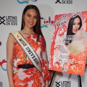Miss Universe 2018 Catriona Gray poses on the Red Carpet