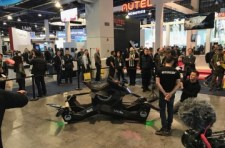 HoverSurf-Scorpion-at-CES2019.jpg