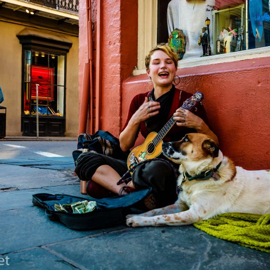 Sidewalk Performer and Dog New Orleans 2017
