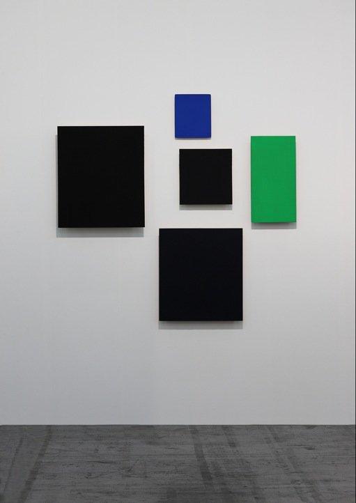 Günter Umberg, Territorium 30, 2015, Poliment, Pigment, Dammar auf Holz, 170 x 170 cm