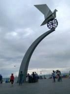 Monumen Merpati Perdamaian di Pantai Purus (6 Oktober 2016) koleksi foto Geni (4)