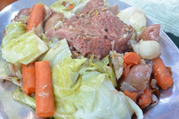 pressure cooker corned beef and cabbage close
