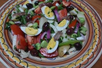 Salade Niçoise with Tarragon Vinaigrette