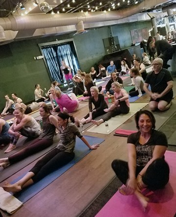 Jammin' Yoga crowd ready