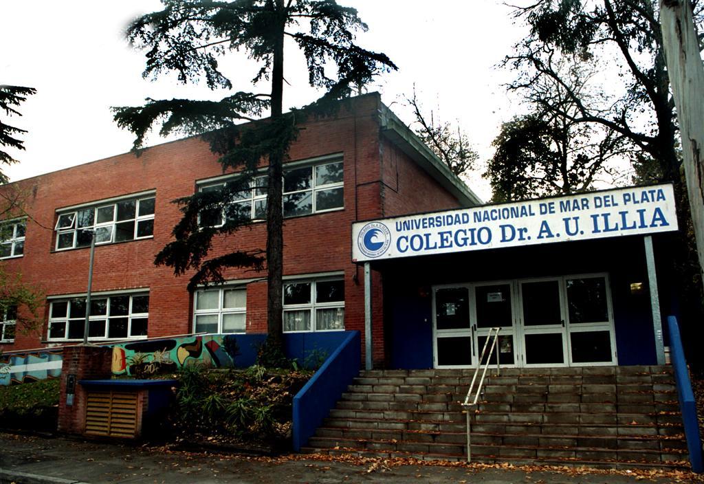 El ciclo sin fin - Colegio Nacional A. U. Illia