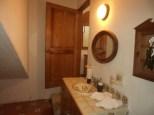 Bathroom II Casa de Aves
