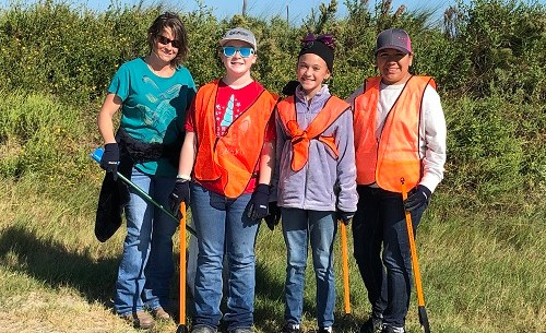 10 Oct One Day 4-H beach clean up