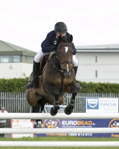 Sven Hadley jumping in the Grand Prix 2014