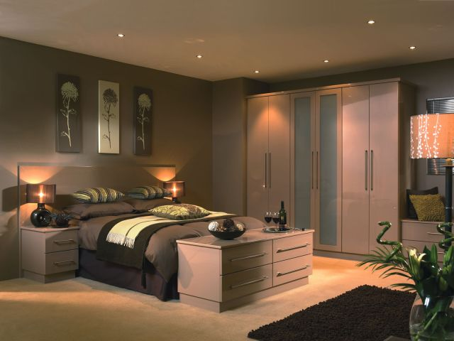 Custom Carpentry Fitted kitchens Wardrobes fice & Laboratory