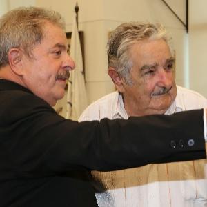 O ex-presidente Luiz Inácio Lula da Silva (à esq.) e o então presidente do Uruguai, José