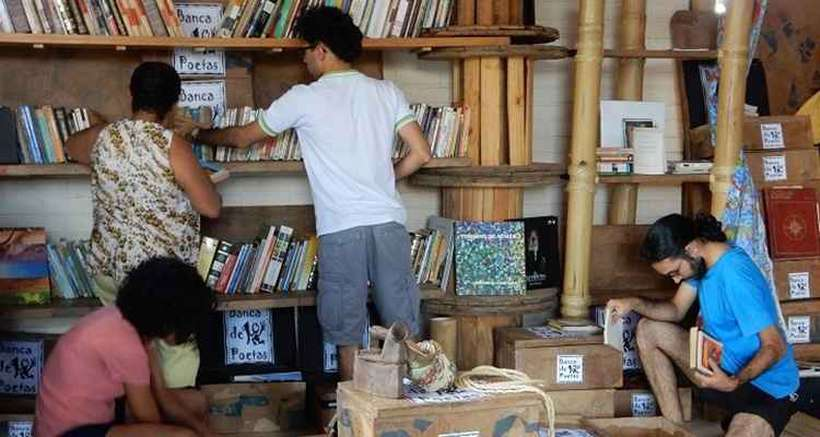 No Dia Mundial do Livro vamos comemorar os 27 milhões de brasileiros das classes C, D e E que compram livros porque gostam de ler (pesquisa Retratos da Leitura no Brasil – 2020)