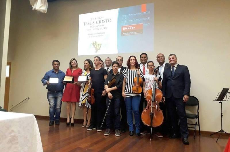 Gama Cidadão recebe prêmios pelos bons serviços prestados à comunidade