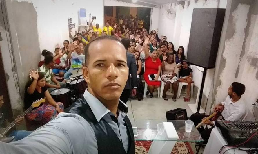 Pastor da Bahia, Jean do Fogo promove evangelismo criativo pelas redes sociais usando LIVEs