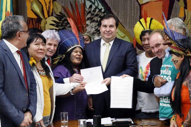 """Frentes ambientalista e indígena unem agenda contra """"retrocesso socioambiental"""""""
