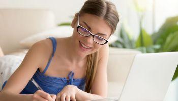 Modalidade de ensino EAD popularizou-se no Brasil