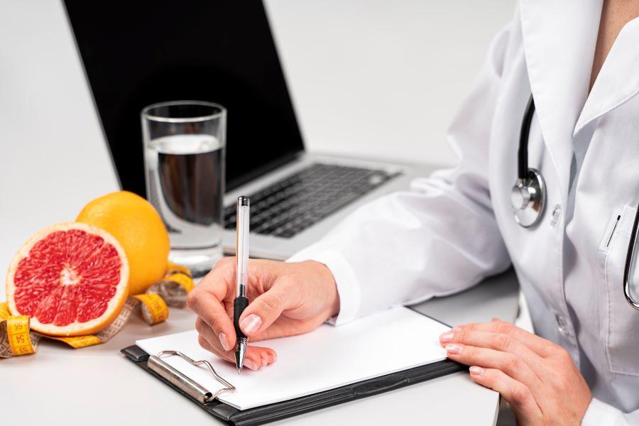 Dia do Nutricionista: nutricionista alerta para o uso de receitas caseiras que prometem aumentar imunidade