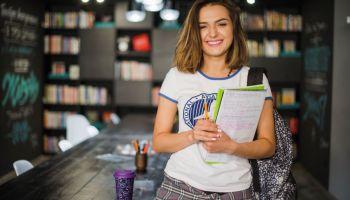 Estudante de Administração ganha o sorteio Bolsa de Estudo 100%