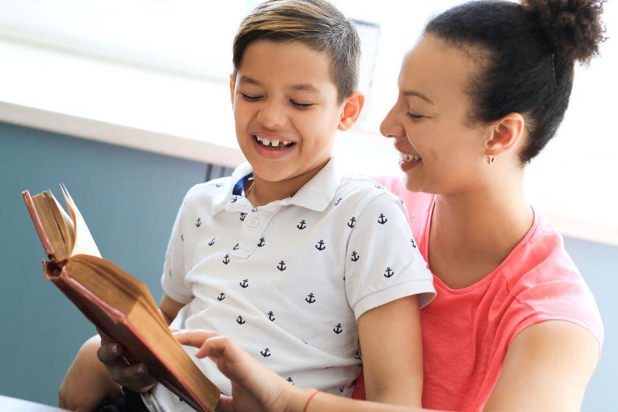 Livros: veja como o incentivo à leitura pode mudar a vida das crianças