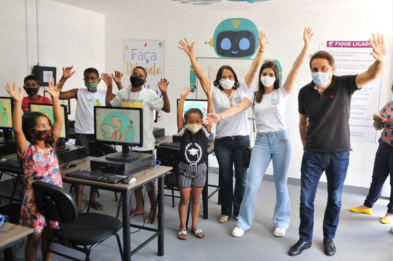 Instituto Viver Rafaela no Gama ganha laboratório do Reciclotech