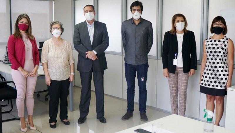 Deputada Arlete Sampaio destina emenda para Iges investir em aparelho que faz exames de imagens de diversas doenças