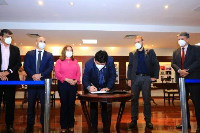Governo de Goiás lança programa inédito de incentivo à leitura de clássicos da literatura
