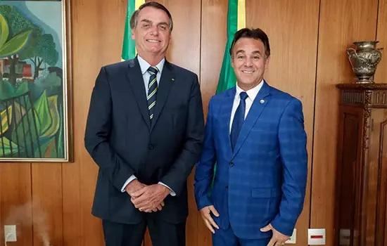 """Entrevista: """"Adilson usa a imagem de Bolsonaro para dar um golpe no Patriota"""", diz vice-presidente"""