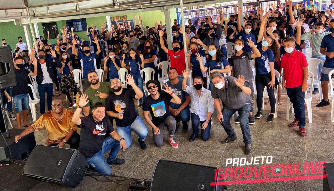 Em torno de 300 pessoas, entre alunos e servidores, prestigiaram mais um dia do Projeto Grooveonline