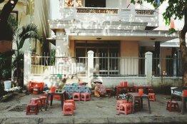 Straßenküche wird nach der Mittagszeit auf Vordermann gebracht