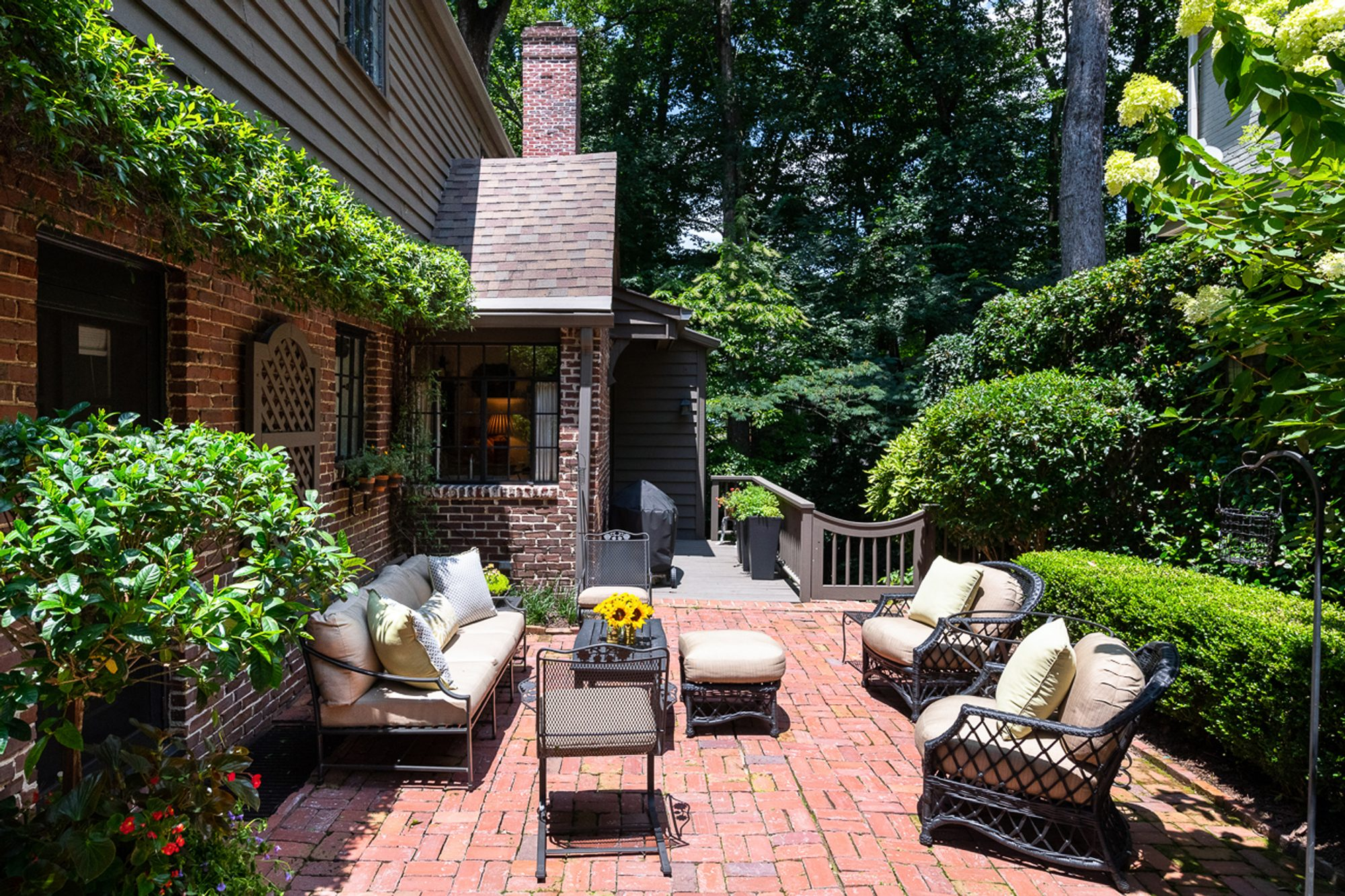 Red Brick Patio Ideas | DIY Paver Designs & Pictues on Red Paver Patio Ideas id=56823