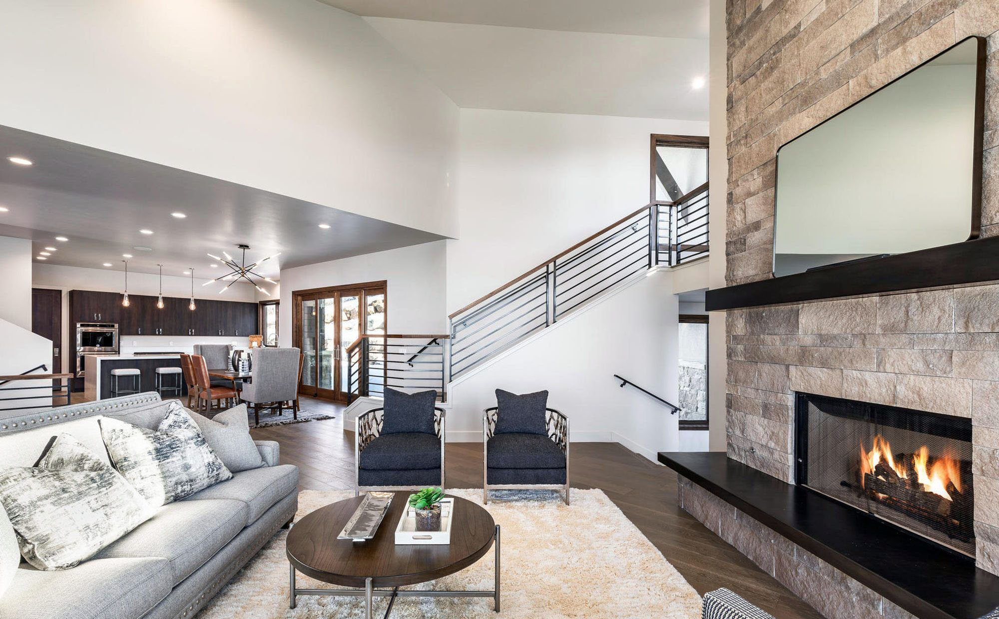 what color rug goes with a grey couch