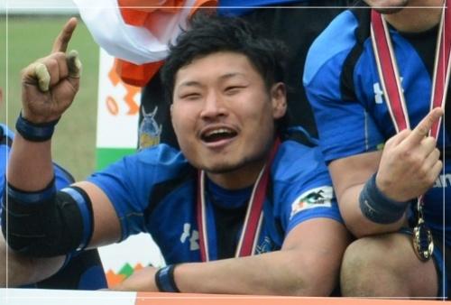 稲垣啓太が花山薫に似てると人気!笑わないけど笑顔や筋肉の画像